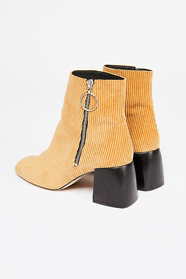 Slide View 5: Ariel Ankle Boot