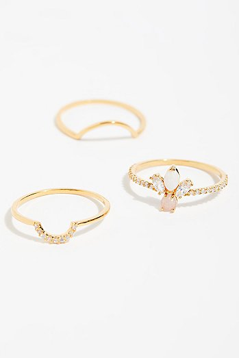 Tai Delicate Ring Set