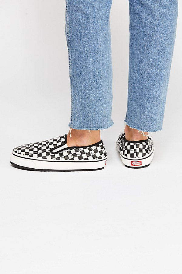 Slide View 4: Vans Slip-er