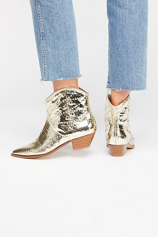 Slide View 4: Vegan Desert Western Boot