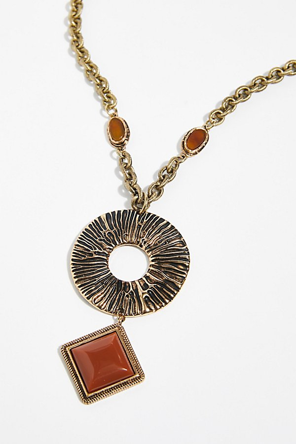 Slide View 3: Farrah Pendant Necklace