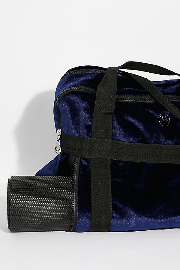 Slide View 3: Velvet Yoga Bag