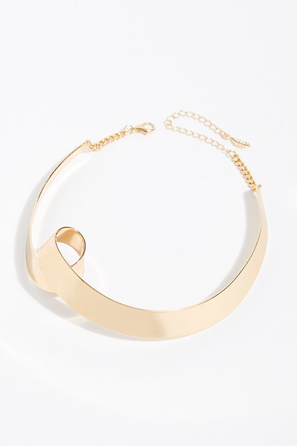 Slide View 2: Swirl Hard Collar Necklace