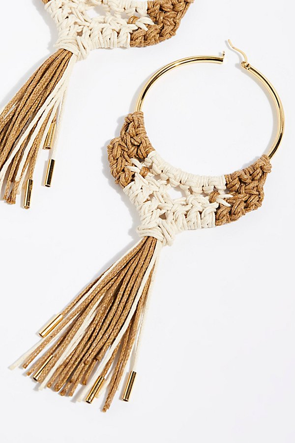 Slide View 3: Penacho Macrame Earrings