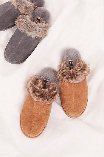 Faux Fur Igloo Moccasin