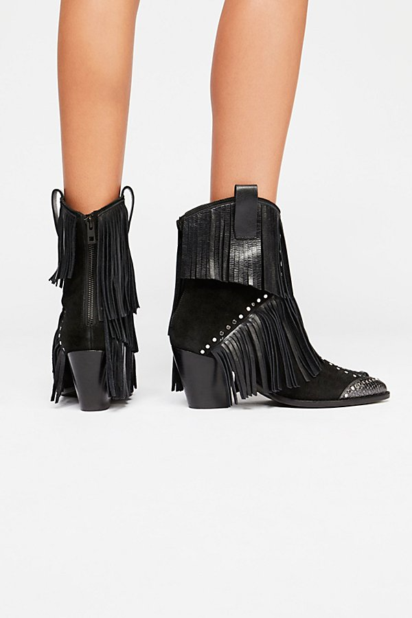 Slide View 3: On The Fringe Western Boot