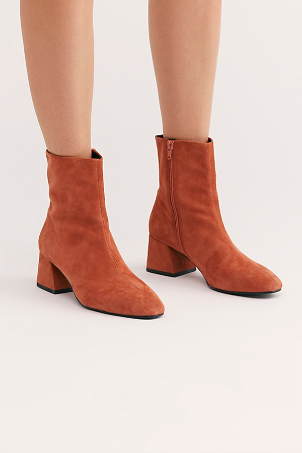 Slide View 2: Alice Ankle Boot