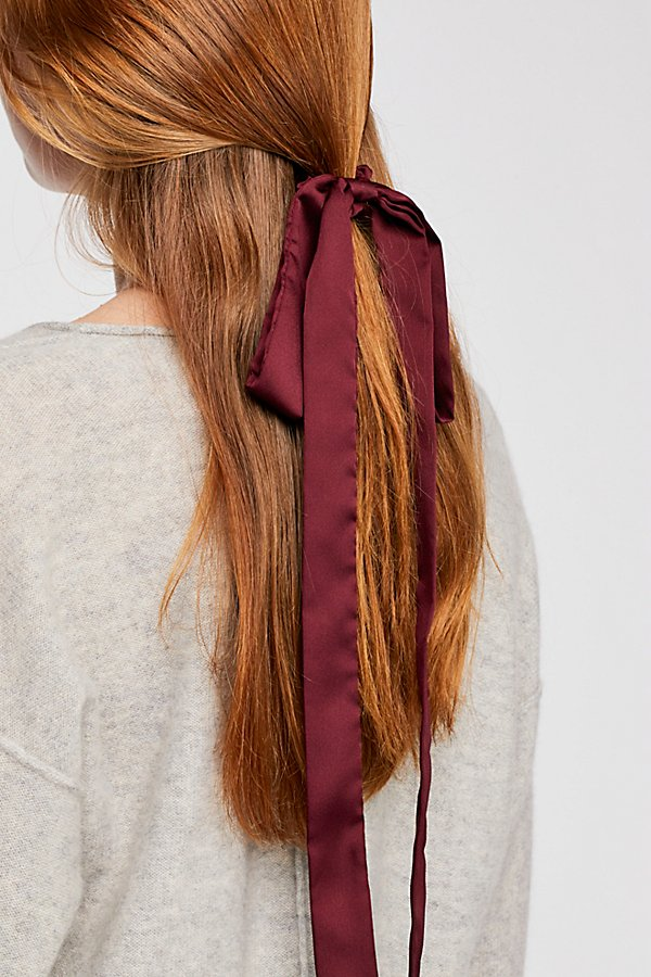 Slide View 1: Ribbon Scarf Pony