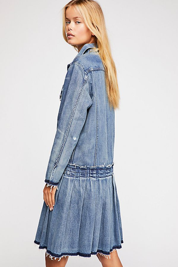 Slide View 3  Levi s Made   Crafted Pleated Trucker Jacket 101660ea4bf
