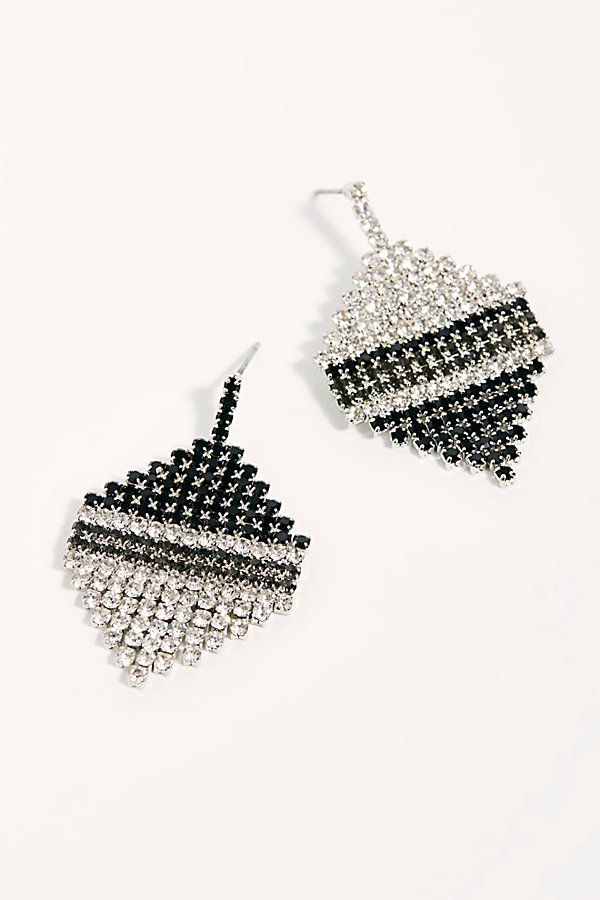 Slide View 1: Aria Asymmetric Earrings