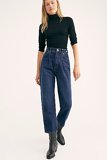 Pleated Straight-Leg Jeans