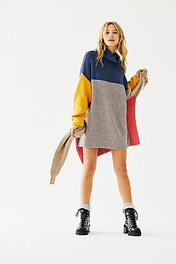 Softly Structured Color-Blocked Tunic