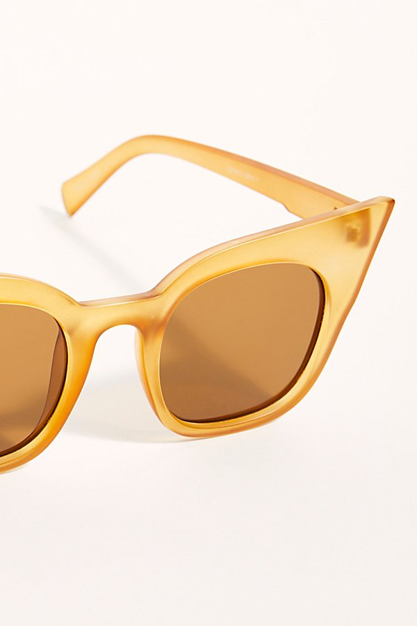 Slide View 3: Callie Cat Eye Sunglasses