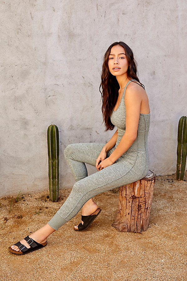 A no-fuss \\\'fit for your workout, this ultra-stretchy onesie allows you to move freely without being constricted with a racerback silhouette and ribbed detailing at the waist* Entry-level compression* Ankle cropped length* Formfitting silhouette
