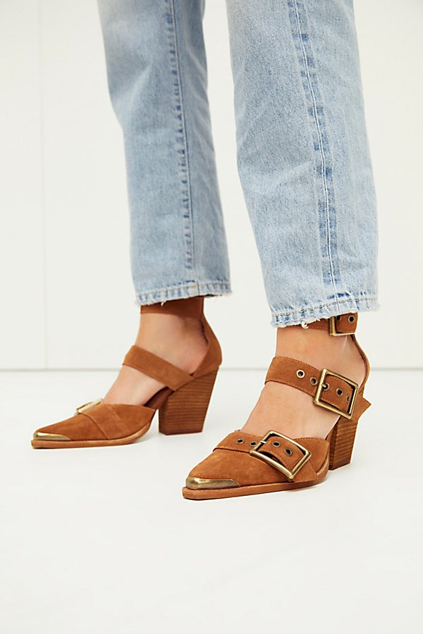 Strut your stuff in these so cool chunky heels from Jeffrey Campbell featuring three buckled straps and a pointed toe* Adjustable straps* Tipped toe detail* Cushioned insole