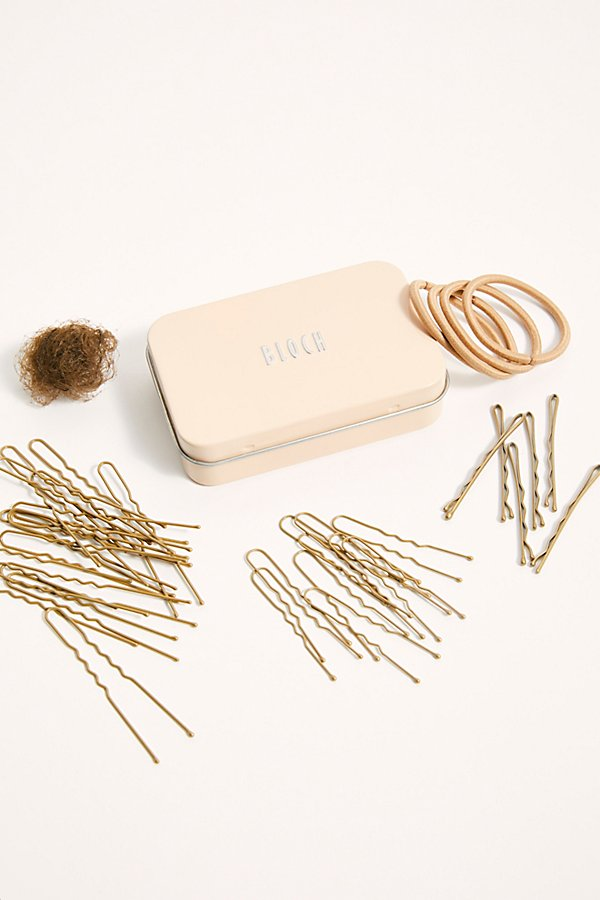 Designed for dancers, but perfect for anyone, this hair kit features color-coordinated accessories that match your hair to create every style imaginable. With bun-making essentials like bobby pins, hairpins, elastics and nets, you\\\'ll be able to style your hair with ease. Includes: two hair nets, fifteen 3\\\