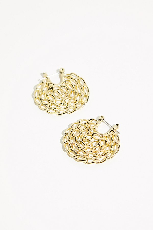So fun mini hoop earring featuring an intricate twisted chain design* Latch closure* See-through details