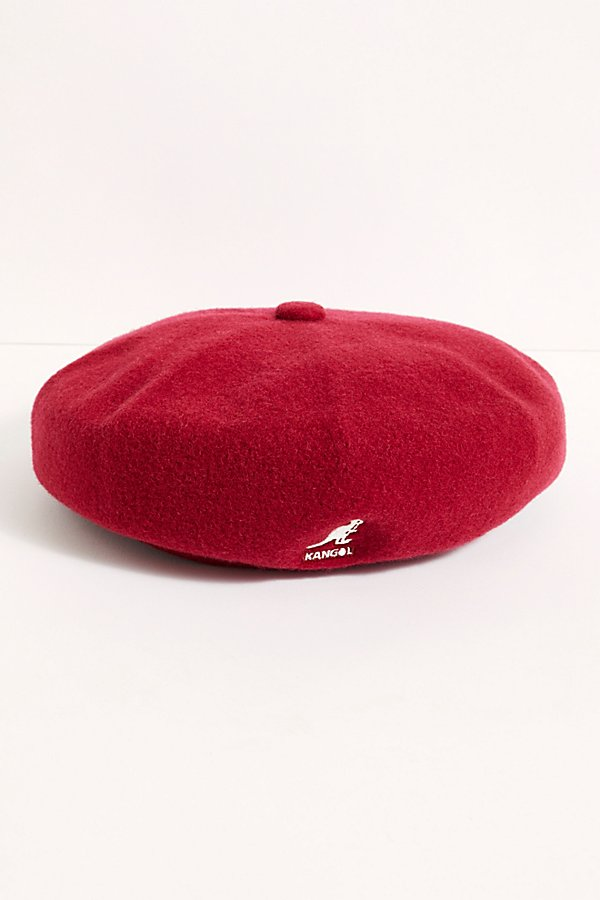 So retro and cool, this throwback style beret from Kangol features a soft wool design with a logo detail on the front* Unstructured fit* Fitted brim* Tab at center